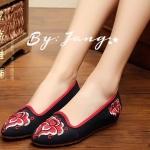 รองเท้าผ้า Brand Lotus Embroidered shoes เป็นแบร์นที่ฮิตมากในชั่วโมง ลายปักสวยเก๋ ผ้านิ่มกระชับเท้าใส่สบาย เสริมส้นด้านใน 1 นิ้ว สวมใส่ง่าย ใส่ไปไหนก็ดูเก๋ โดดเด่นไม่เหมือนใคร