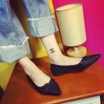 รองเท้าคัทชู ส้นแบน ทรงหัวแหลม หนังนิ่ม พิมพ์ลายตารางสุดเก๋ ดูดี มีกิมมิค ใส่สบาย จะใส่ทำงานหรือใส่ชิวๆ ก็แมชชุดง่ายทุกแนว สูง 1 cm. สีเทา ดำ