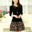 [พรีออเดอร์] ชุดเดรสผู้หญิงแฟชั่นเกาหลีใหม่สีดำ แขนยาว คอเสื้อลายดอกไม้ กระโปรงลายดอกไม้ แบบเก๋ เท่ห์ - [Preorder] New Korean Fashion Slim Floral Collar Short-sleeved Dress with Floral Skirt thumbnail 1