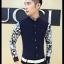 [พรีออเดอร์] เสื้อเชิ้ตทำงานแฟชั่นเกาหลีสำหรับผู้ชาย แขนยาวลายดอกไม้ เก๋ เท่ห์ - [Preorder] Men Korean Hitz Slim Long-sleeved Floral Pattern Shirt thumbnail 2