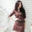 [พรีออเดอร์] ชุดเดรสผู้หญิงแฟชั่นเกาหลีใหม่ แขนสั้น พร้อมเข็มขัด แบบเก๋ เท่ห์ - [Preorder] New Korean Fashion Slim Short-sleeved Black Dress with Belt thumbnail 1