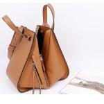 กระเป๋าหนัง รุ่น Loewe Hammock (Tan) Size 26