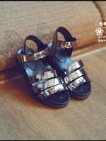รองเท้าแฟชั่นเด็กสีดำ แบบรัดส้น วัสดุทำจากยางธรรมชาติ สุดแนว