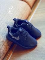 รองเท้าผ้าใบแฟชั่นเด็กสีดำ วัสดุหนังตาข่าย ระบายอากาศได้ดี มียางกันลืน