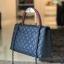กระเป๋าหนัง C Coco Caviar Lambskin (น้ำเงินหูแดง) thumbnail 3