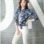 เวอร์ชั่น 2016 เสื้อเชิ้ตยีนส์ ลายคลาสสิก พิมพ์ลายดอกไม้ thumbnail 1