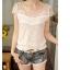 เสื้อแฟชั่นเกาหลีคอวีเสื้อแขนสั้นสีขาวเสื้อลูกไม้ thumbnail 3