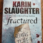 Fractured By Karin Slaughter ราคา 150