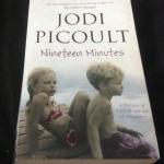 Nineteen Minutes by Jodi Picoult ราคา 200