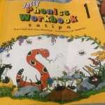 jolly phonics workbook ราคา 35