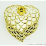 กล่องเก็บเครื่องประดับ หัวใจ ยาว 5 นิ้ว - สีครีม/ทอง [HE18005-Cre.G]