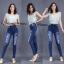 กางเกงยีนส์ทรงเดฟเอวสูง ยีนส์ยืด กระดุมหน้า สียีนส์ฟอกด่าง แต่งขาดตัดปะเซอร์ๆ มี SIZE S,M,L,XL