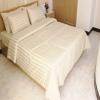 ชุดผ้าปูที่นอนโรงแรมลายริ้ว 5 ฟุต (5 ชิ้น) สีครีม