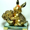 กระต่ายมงคลนำผักกาดทอง