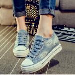รองเท้าผ้าใบยีนส์ สีฟ้าอ่อน ส่งฟรี EMS พร้อมส่ง