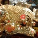 ปลาหลี่ฮื้อเกล็ดเหรียญทองพ่นน้ำโชคลาภ เหลือกินเหลือใช้