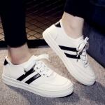 รองเท้าผ้าใบแฟชั่นสีขาว ส่งฟรีEMS พร้อมส่ง