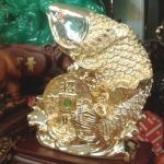ปลาหลี่ฮื้อมงคลล้อเหรียญโชคลาภ ค้าขายร่ำรวย