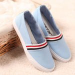 รองเท้าลำลองสีฟ้า ส่งฟรีEMS พร้อมส่ง