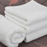 ผ้าขนหนูเช็ดผมสีขาว 15″ x 30″นิ้ว น้ำหนัก 3.5 ปอนด์