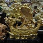 เรือมังกรทองทะยานคลื่น