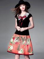 Sister made, Red & Black Unity of Beauty Vintage Set เซ็ตเสื้อ+กระโปรงใส่เข้าชุดกัน งานสไตล์แบรนด์ดังค่ะ ตัวเสื้อแขนสั้น แต่งคอปกประดับโบว์ติดเลื่อมน่ารักๆ มาพร้อมกับกระโปรงบานจับจีบสวย เนื้อผ้าโพลีพิมพ์ลายสีสันสดใส สามารถใส่แยกชิ้นmix&matchได้หลายสไตล์เล