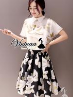 """Vivivaa recommend """"Ladiest blossom sweety skirt set """" Fabric : โพลลีเอสเตอร์ Detail : เสื้อสวยหวานด้วยทรงเสื้อคอปกบัว เข้ารูปช่วงเอว สวยเก๋ด้วยงานพิมพ์ลายดอกไม้ สีคลาสสิคมากคะ มาพร้อมกับกระโปนงพิมพ์ลายดอกไม้ ทรงเสื้อ ใส่แล้วพริ้วสวย ดูดีมากคะ สา"""