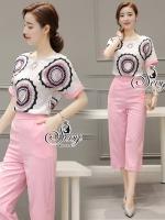 Sevy Two Pieces Of Pink Circle Short Sleeve Blouse With Pants Sets Type: Blouse+Pants(Sets) Fabric: Cotton &#x1F31Fเนื้อผ้า cotton เกรดดี ผ้าสวยใส่สบาย Detail: ชุดเซ็ทเสื้อ+กางเกงห้าส่วนสีชมพูหวานแว่ว ดีเทลซิปข้างใส่ง่าย กระเป๋าหน้า2ข้าง มาพร้อมเสื้อคอกลม