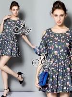 Rosy Cut Shoulder A Line Mini Dress Type: Mini Dress Fabric: Denim Blended Detail: มินิเดรสพิมพ์ลายดอกกุหลาบแนวภาพเพ้นสี สไตล์วินเทจ ช่วงไหล่ว้าว แขนจับระบาย กระโปรงทรงเอบาน ได้ลุคคุณหนู สาวหวาน ดูน่ารักมากเลยนะคะ