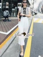 Seoul Secret Say's... Pleaty Layer Chic Jumpsuit Material : ทรงสวยดูไฮด้วยทรงจั้มสูทกางเกงขายาว ช่วงตัวเสื้อสวยหรูด้วยเนื้อผ้าลูกไม้ ดูไฮด้วยโทนสีทูโทนขาวดำ ช่วงตัวเสื้อสวยเก๋ด้วยงานเย็บและตัดตามลายผ้าลูกไม้ กางเกงมีดีเทลสวยๆ ด้วยงานอัดพลีท เรียบหรูด