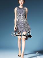 """Vivivaa recommend """"Beady bead colar print dress"""" Fabric : เนื้อผ้าทอลายในตัว Detail : สวยเก๋ด้วยทรงเดรสกระโปรงทรงบาน มีดีเทลสวยๆ ด้วยงานพิมพ์ลายสไตล์คลาสสิค เติมความสวยหรูด้วยงานเย็บประดับด้วยมุขตามสีเดรสที่ช่วงคอ มีสองโทนสีให้เลือกนะคะ สวยเปรี้"""