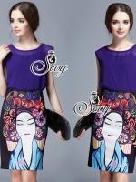 Sevy Two Pieces Of Purple Sleeveless Blouse With Chinese Girl Skirt Suit Sets Type: Blouse+Skirt (Sets) Fabric: Blouse(Chiffon)+Skirt(Polyester) Detail: Sets เสื้อแขนกุ๊ดผ้าชีฟองสีม่วงเข้า มาพร้อมซับสายเดี่ยวสีดำ และกระโปรงพิมพ์ลายหน้าสาวจีน ใส่คู่กันแล้ว