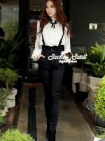 Seoul Secret Say's... Lovely Bibby Nifty Bowwy Set Material : เซ็ทสวยๆ เก๋ๆ สไตล์สาวมีคลาส เซ็ทเสื้อเชิ้ตสวยเก๋สไตล์สาวยุโรปด้วยเสื้อเชิ้ตแขนระบายเย็บแต่งด้วยผ้าลูกไม้ซ้อนเป็นเลเยอร์ ช่วงคอเติมความสวยด้วยงานเย็บแต่งด้วยผ้าลูกไม้และเข็มกลัดโบว์ มาพร้อ