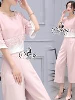 Two Pieces Of Lace Stripe With Wide Pants Sets ผ้าตัวเสื้อชีฟอง+chiffon+ลูกไม้ ผ้าตัวกางเกงสเปนเดกซ์ Detail: ชุดเซ็ตเสื้อกับกางเกงห้าส่วนขาบานเนื้อผ้านิ่มยืดหยุ่นใส่สบาย ผ้ามีน้ำหนักทิ้งตัว ทรงสวย ดีเทลมีซิปข้าง มีกระเป๋าด้านหน้าทั้งสองข้าง มาพร้อมเสื้อคอ
