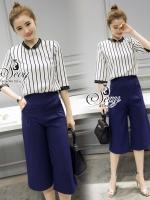 Sevy Two Pieces Of Stripes Round Neck Blouse With Third Half Pants Sets Type: Blouse+Pants(Sets) Fabric: Chiffon เสื้อ+กางเกงผ้า Chiffon Detail: ชุด Set เสื้อ+กางเกงห้าส่วนขาบานโทนสีกรม ดีเทลซิปหลัง กระเป๋า 2 ข้างด้านหน้า ทาพร้อมเสื้อคอสูงแขนสี่ส่วน เนื้อ