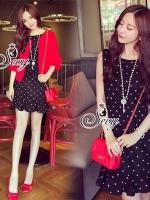 Sevy Two Pieces Of Polka Dot Sleeveless Elastic Waist With Red Crop Jacket Sets Type: Mini Dress+Jacket Fabric: Mini Dress(Cotton)+Jacket(Knit) Detail: Sets เสื้อคลุมแขนทรงตุ๊กตาผ้าไหมพรมตัวสั้น มาพร้อมเข้าเซทกับเดรสสั้นลายจุดขาวดำแขนกุ๊ด ช่วงเอวจับสม้อค