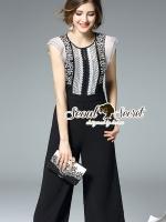 Seoul Secret Say's .... Night Party Blacky Lace PlaySuit Material : สวยเก๋ได้ลุคสาวผู้ดีด้วยทรงจั้มสูทกางเกงทรงคูลอตต์ ทรงสวยดูมีสไตล์มากคะ สวยหรูด้วยงานเย็บแต่งด้วยผ้าลูกไม้ที่ตัวเสื้อด้านบน ดีเทลเนื้อผ้าสวยมากคะ ช่วงอกเติมตวามสวยด้วยงานเย็บแต่งด้วย