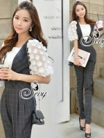 Two Pieces Of Smart Casual Daisy 3D Dolly Sleeve