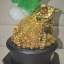 กบคาบเหรียญมงคลบนใบบัวหยกฐานไม้(คางคกคาบเหรียญ) คาบเงินคาบทอง อวยพรโชคลาภ thumbnail 3